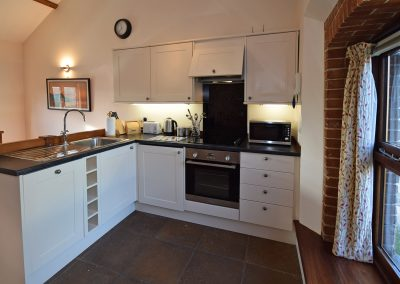 Apple-loft-kitchen-Farwood-Barton-Holiday-Cottages-Colyton-Devon