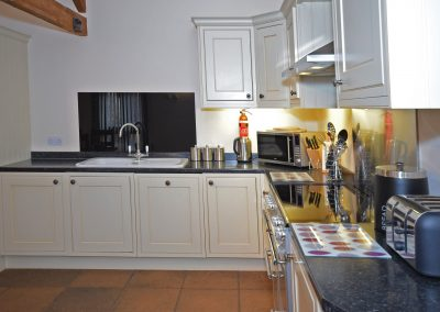 Kitchen-2-Wheel-House-Farwood-Holiday-Cottages-Devon