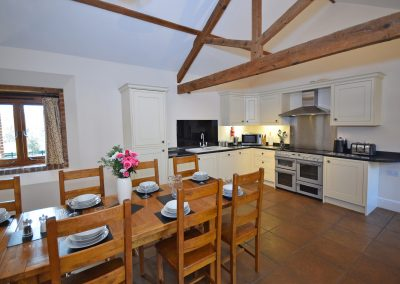 Kitchen-Dining-3-Wheel-House-Farwood-Holiday-Cottages-Devon