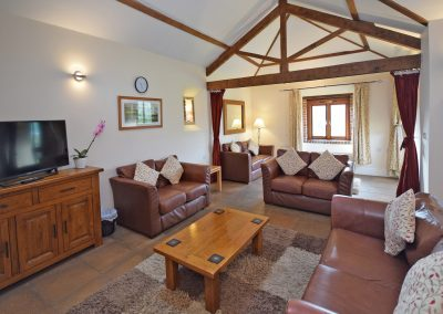Large-Lounge-Wheel-House-Farwood-Holiday-Cottages-Devon