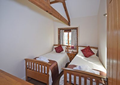 Twin-Bedroom-2-Wheel-House-Farwood-Holiday-Cottages-Devon