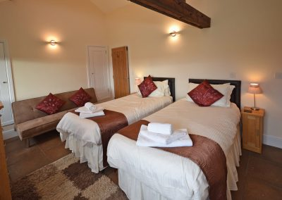 Twin-Room-2-Leat-House-Farwood-Holiday-Cottages-Devon